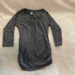 Old navy maternity 3/4 sleeve T-shirt